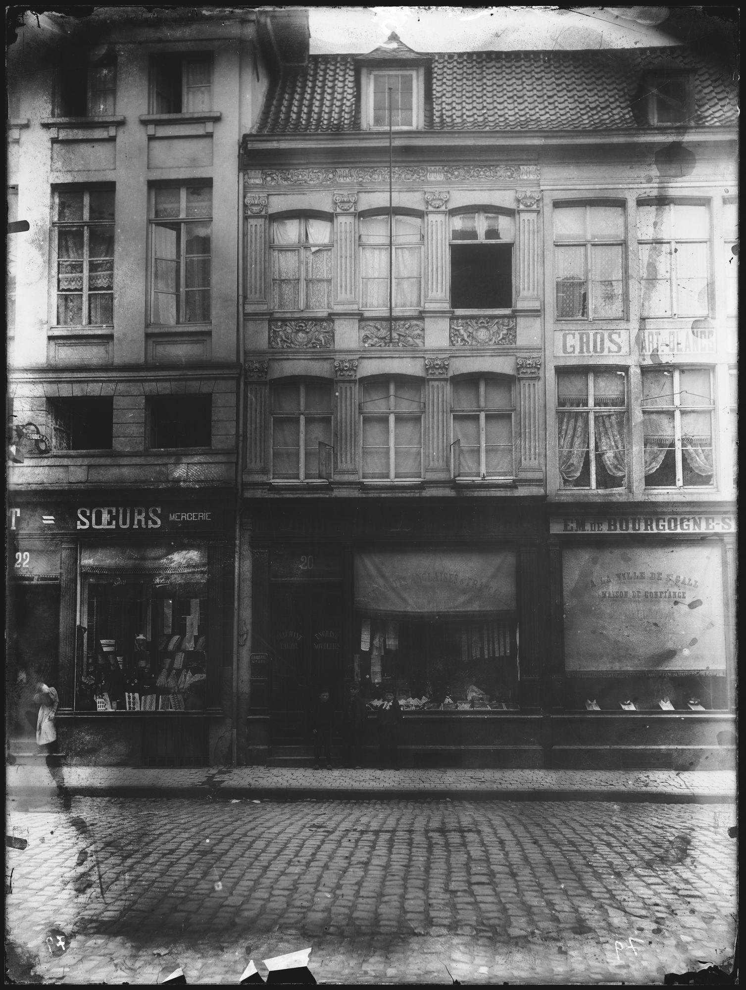 Kledijwinkels in de Doorniksestraat
