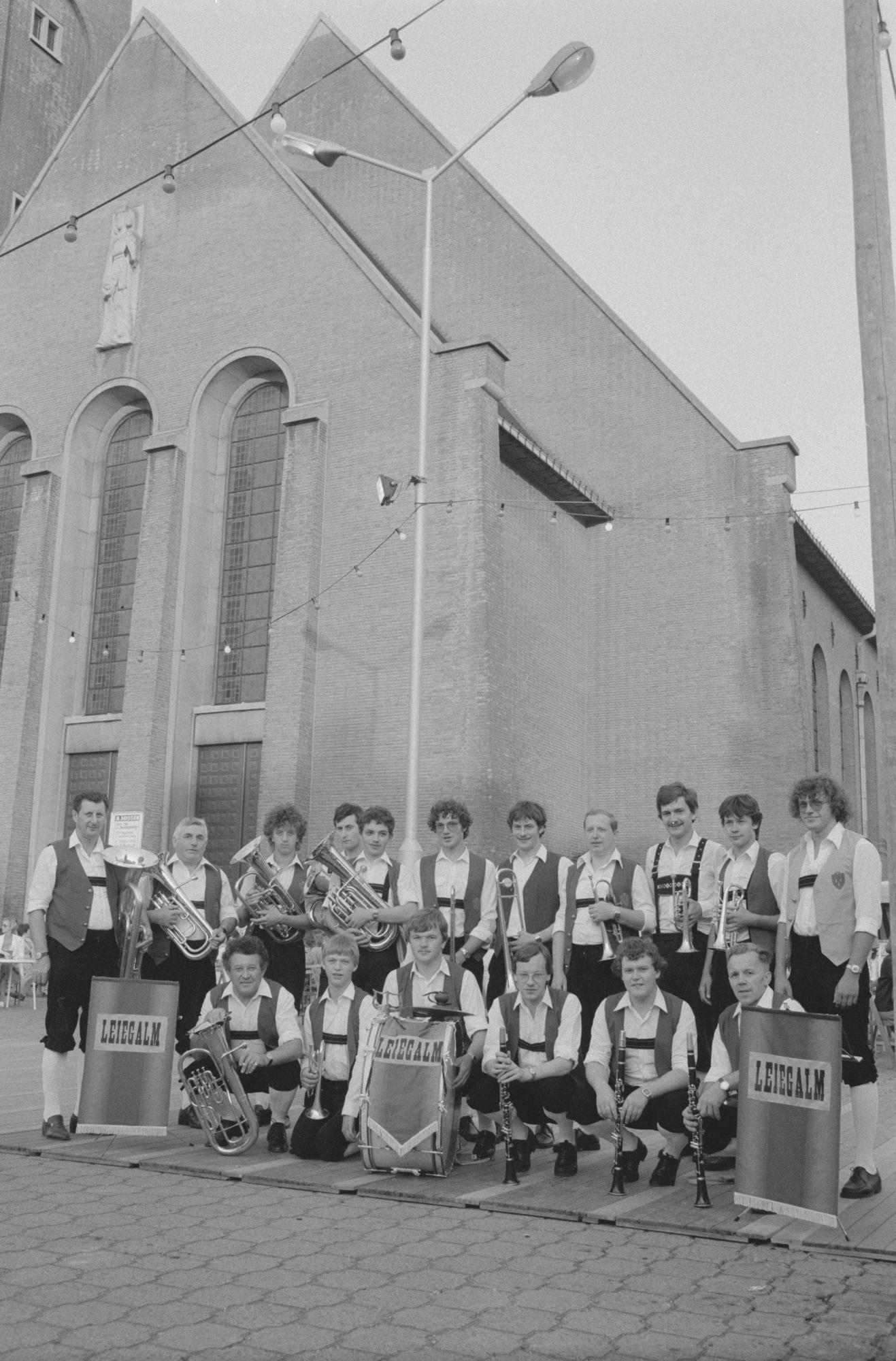 Fanfare Leiegalm op het Lentefeest op Sint-Elisabeth
