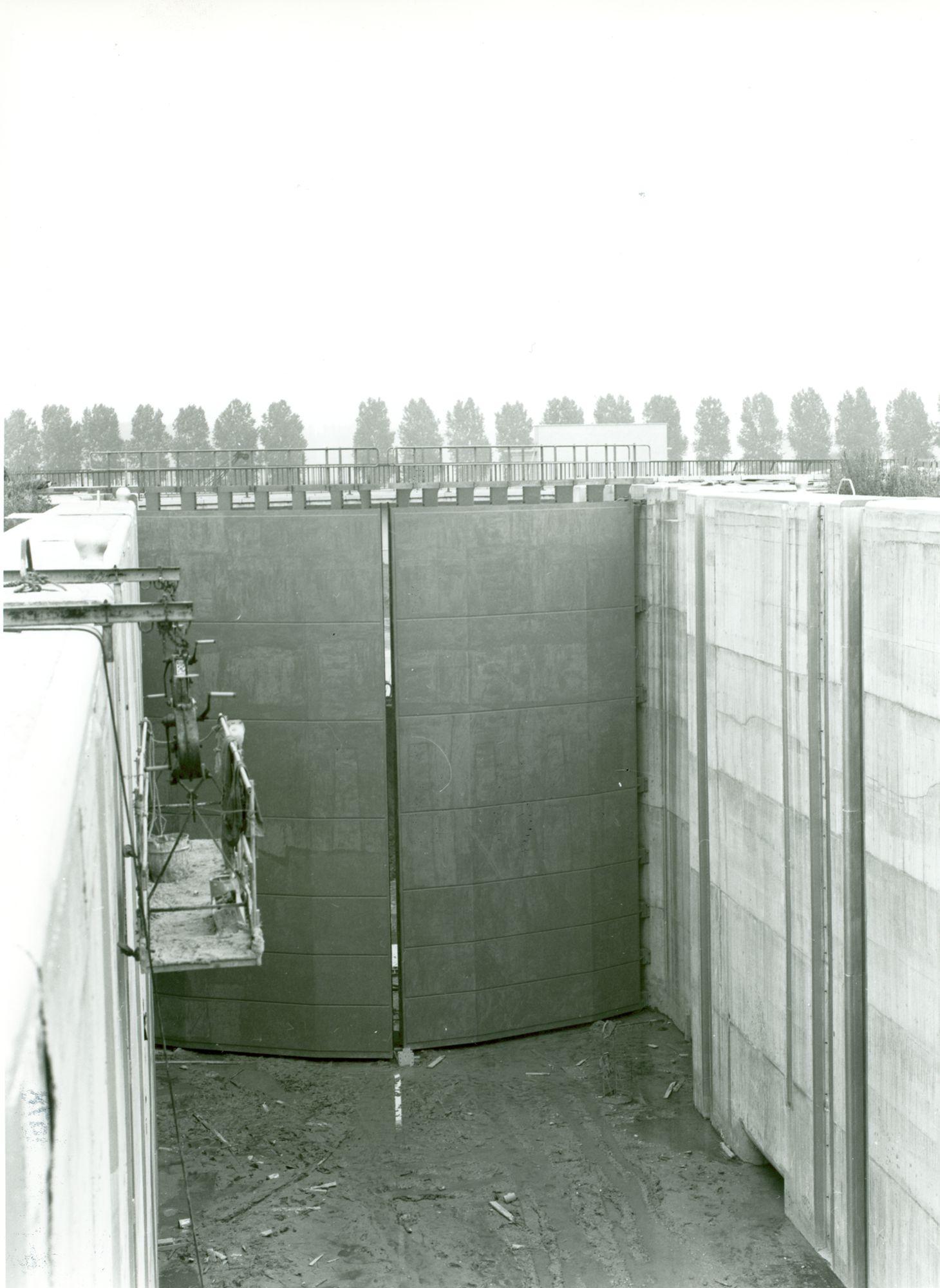 Bouw van de nieuwe sluis van Bossuit 1976