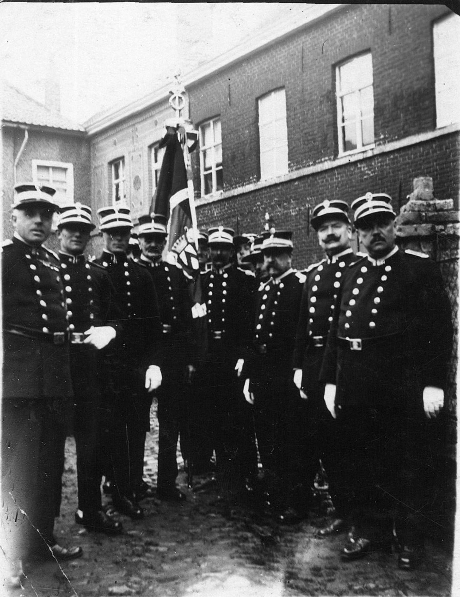 Kortrijkse politieagenten bijeen begrafenis
