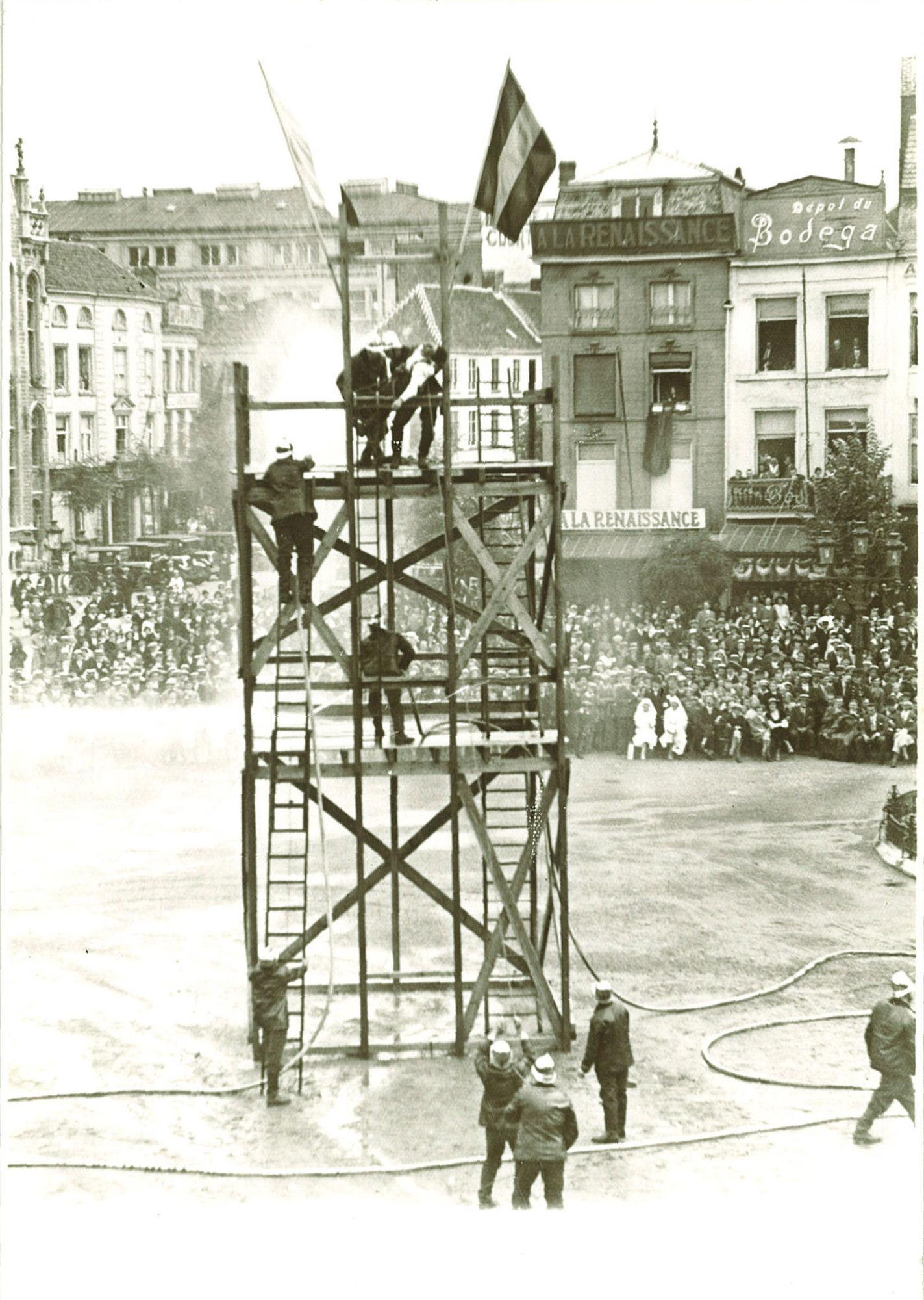Brandweerfeesten op de Grote Markt in 1932