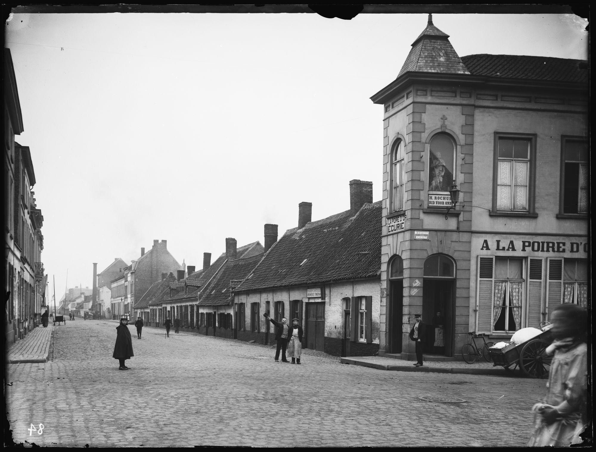 "Café A la Poire d'Or' of ""In de gouden Peer"" in de Magdalenastraat"