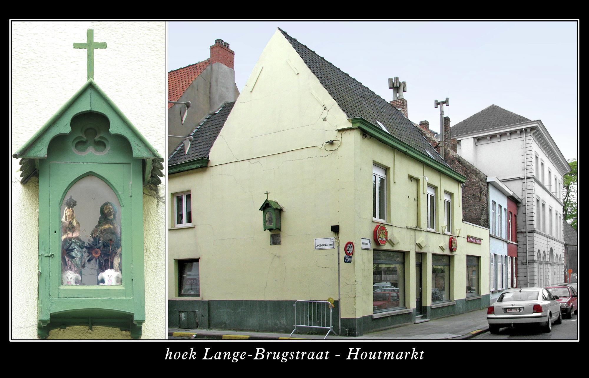 Muurkapel hoek Lange-Brugstraat-Houtmarkt