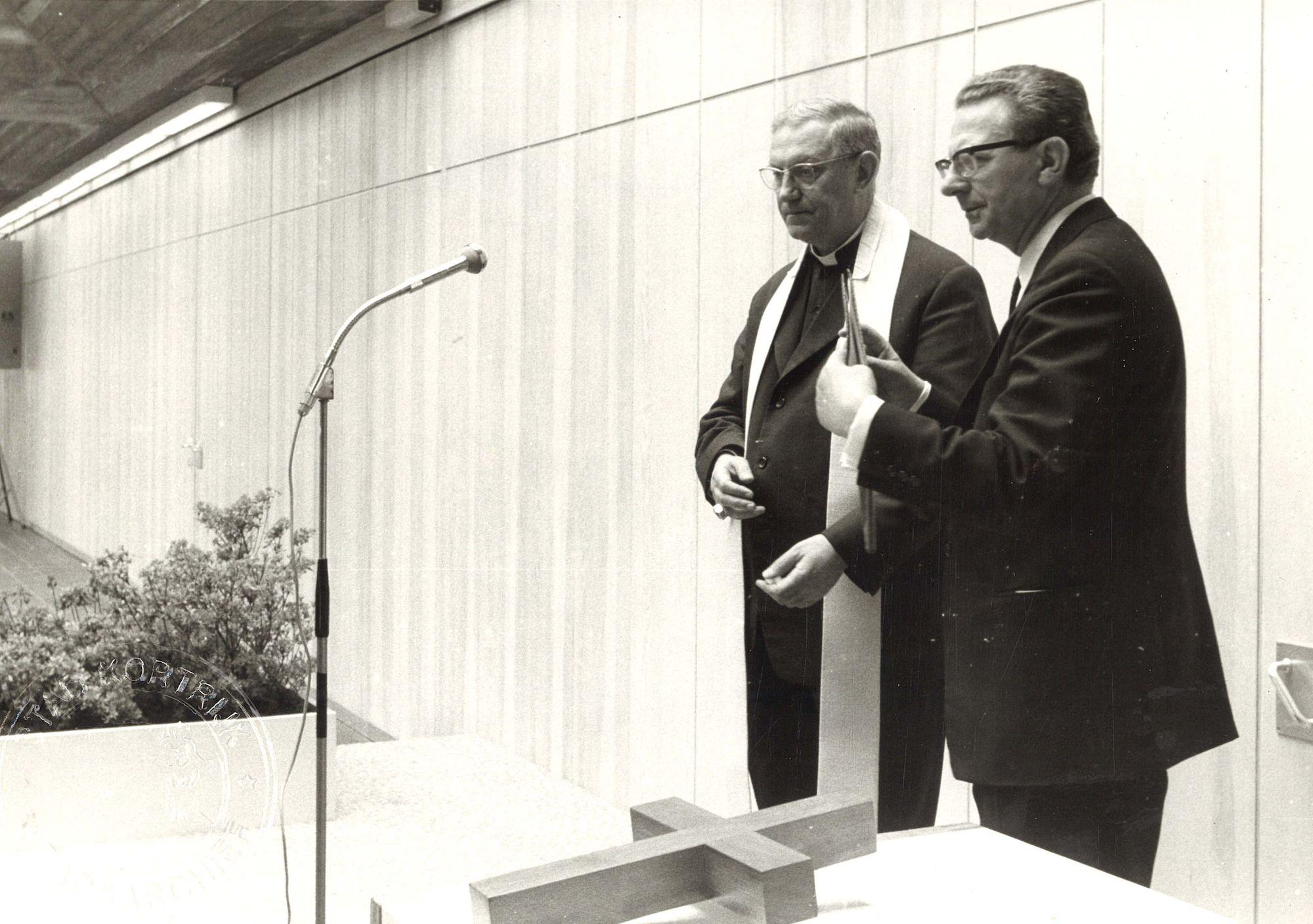 Inwijding van het faculteitsgebouw KULAK
