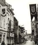 Bevlagging Lange Steenstraat