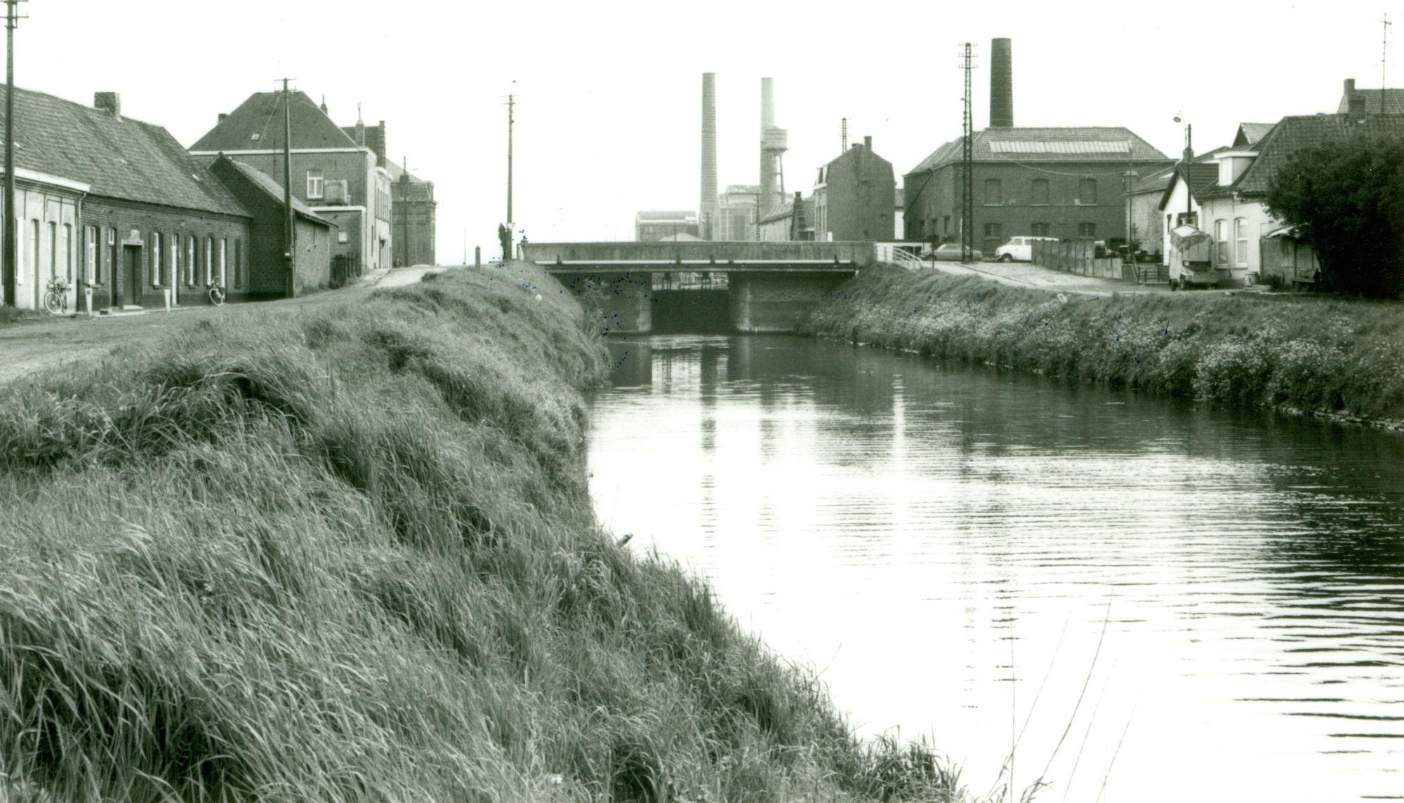 Sluis Nr. 6 op het Kanaal Bossuit-Kortrijk te Zwevegem 1981